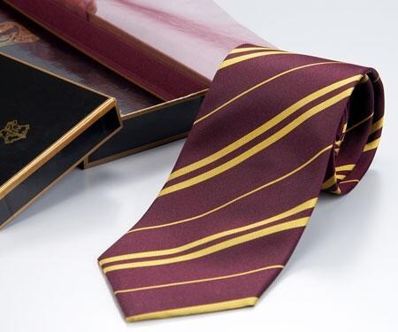 結婚式でのネクタイの色選びで参考にしたい7つのポイント