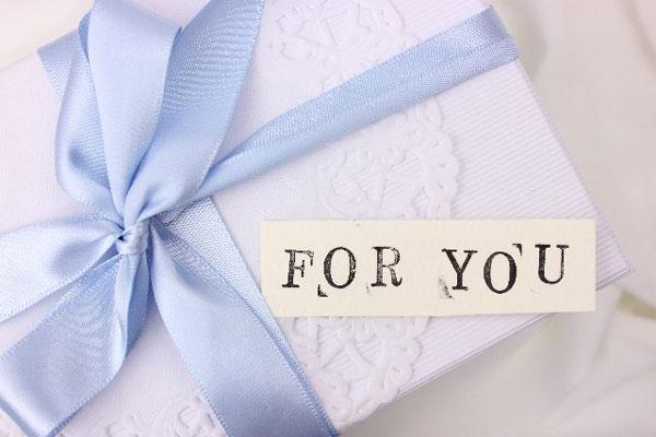 退職のプレゼントで女性が喜ぶ、9つの贈り物☆