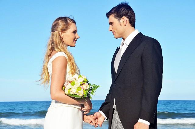 ハワイの結婚式に行く時に、気をつけたい9つの服装パターン