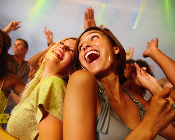 結婚式の余興に最適!盛り上がるダンスの9つのポイント