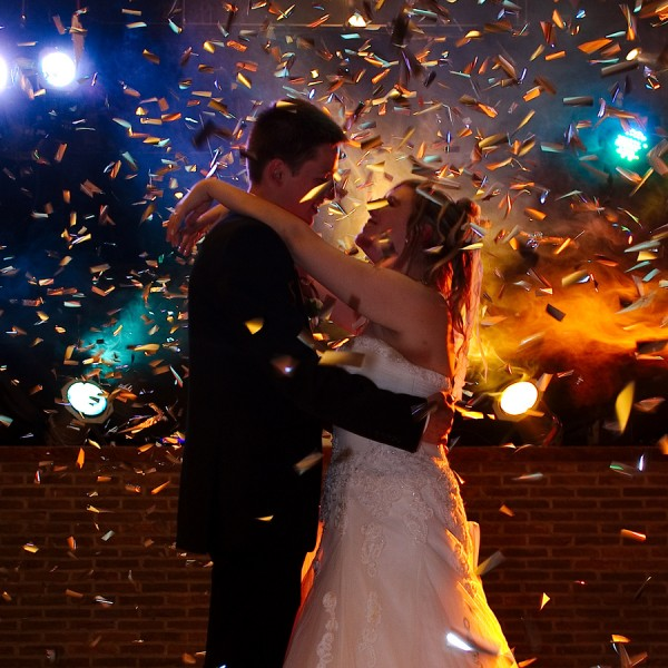 みんなで楽しめる!結婚式の余興で踊るダンスの7つのポイント