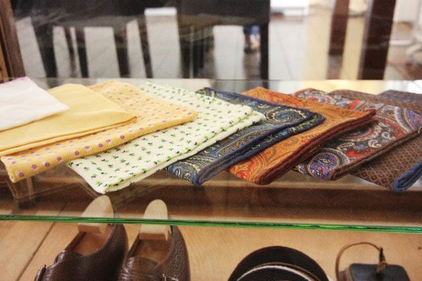 ハンカチのプレゼントが退職のお祝いにピッタリな9つの理由