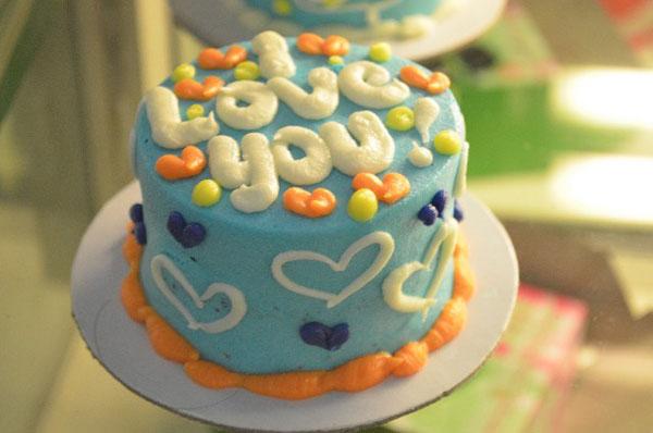 結婚記念日のメッセージデコケーキに使える7つの感動文例☆