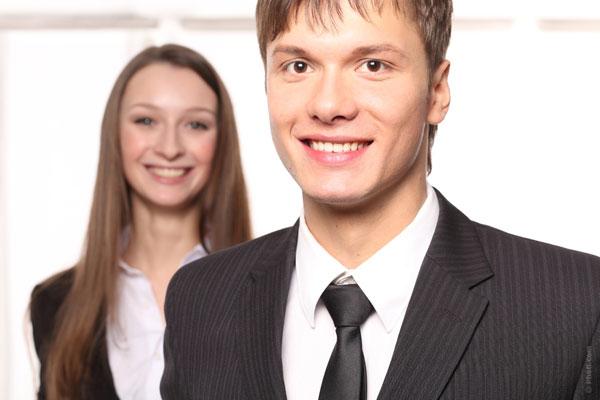 仕事に使える黒スーツを上手に選ぶ7つのポイント