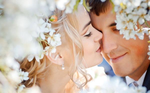 結婚式のお祝いの言葉、たった1行でも心に響く15個のメッセージ