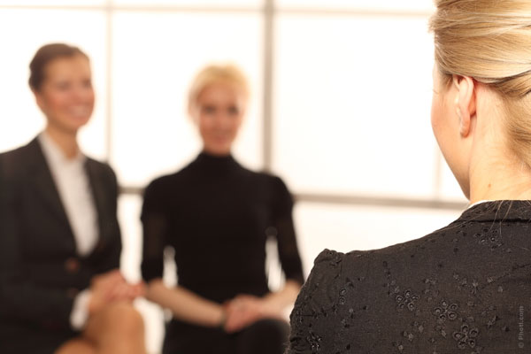 冠婚葬祭で、黒スーツを着るときに絶対にやってはいけない7つの事
