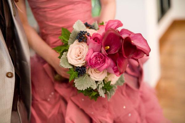 結婚式のカラードレスにぴったりのブーケを作る為の7つのポイント