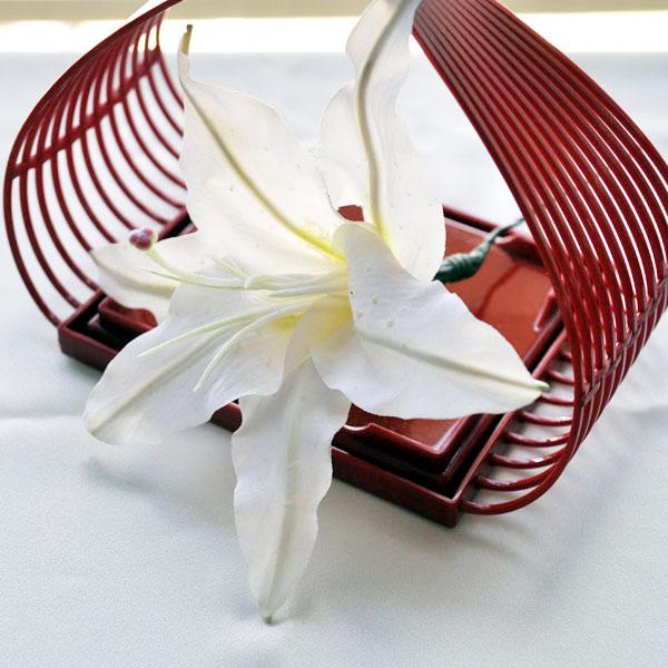 沢尻エリカの結婚式のように☆百合の花を使ったヘアアレンジ7選