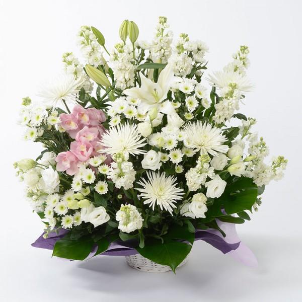 通夜に供花や供物を贈る際、知っておくべき7つのマナー
