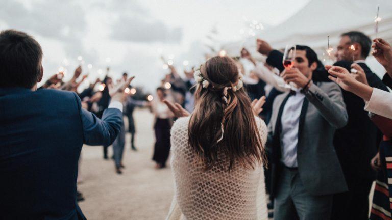 結婚式の友人代表スピーチ例文☆会場を沸かせるオススメ7選
