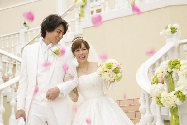結婚式をポップで明るくする入場曲、おすすめ邦楽7選!