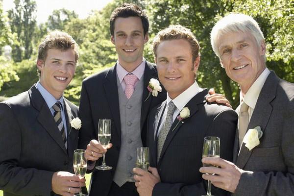 結婚式の服装で男性が事前に準備しておくべき7つの小物