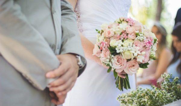 結婚式のスピーチで友人として祝辞を盛り上げる7つのおススメ例文