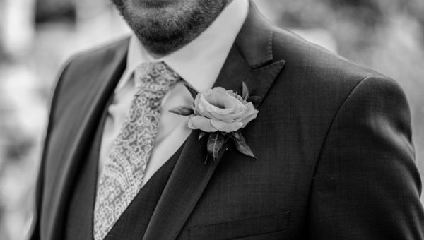 結婚式のスーツ姿…僕が見落として恥をかいた7つのマナー