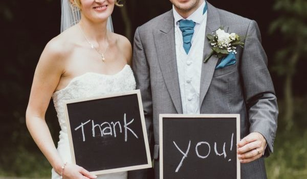 結婚祝いメッセージカード、友人の心に超響く7つの例文