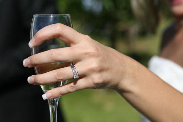 結婚式の乾杯の挨拶、新郎新婦に喜ばれる7つの例文