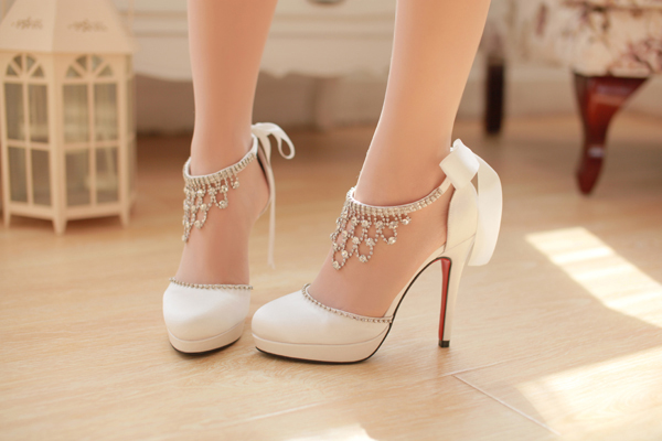 結婚式に履く靴、現在の流行7 ...