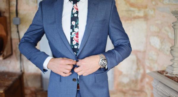 結婚式に紺色スーツはNG?7つの服装マナー☆【男性編】