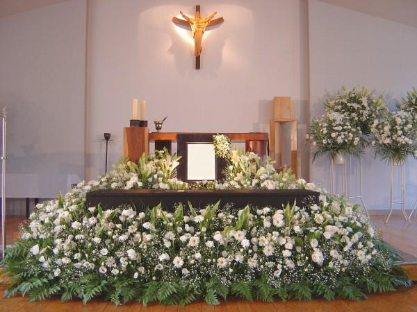 キリスト教葬儀の献花の仕方。分かりやすい7つの手順