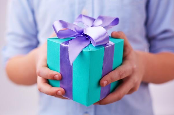 結婚記念日のプレゼント、両親が共に使える7つのアイテム