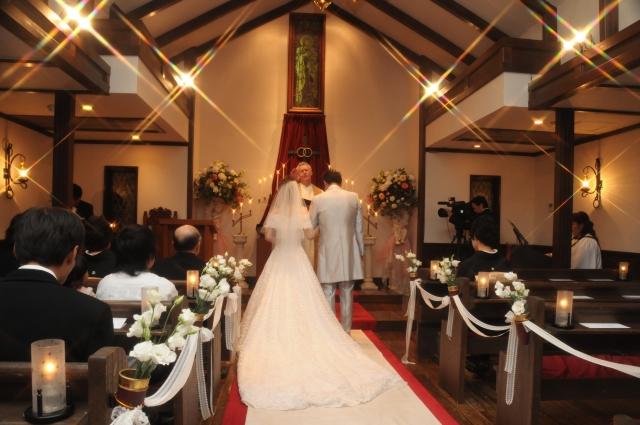 結婚式に親族として出席☆服装で押さえる5つのマナー