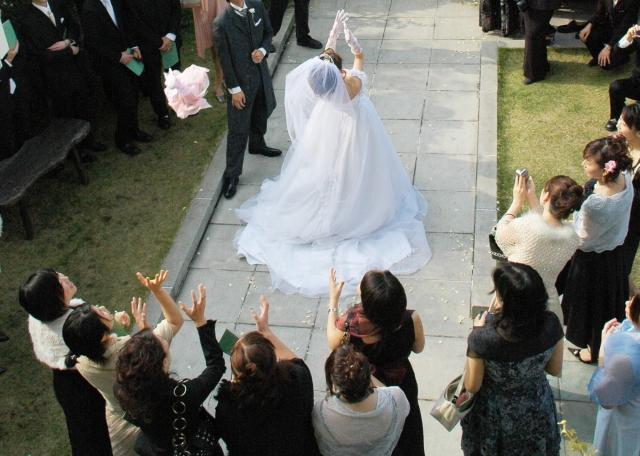 結婚式と二次会は服装が違う?男性が押さえるべき心得とは