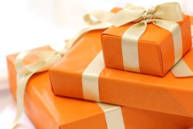 記念日のプレゼント、彼女に何贈る?とっておきを選ぶコツ