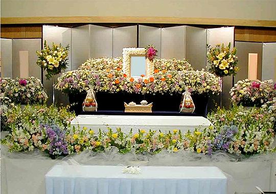 葬式は流れが大事。喪主として式を進めるポイントとは