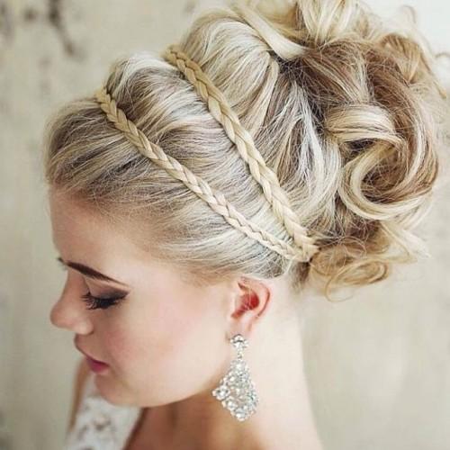 結婚式は髪型で勝負!ロングを魅力的にする5つのアレンジ