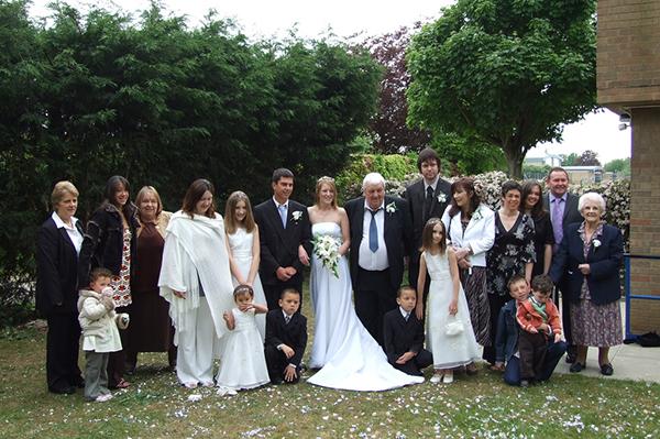 結婚式、親族の服装でドン引きした7つのマナー違反例