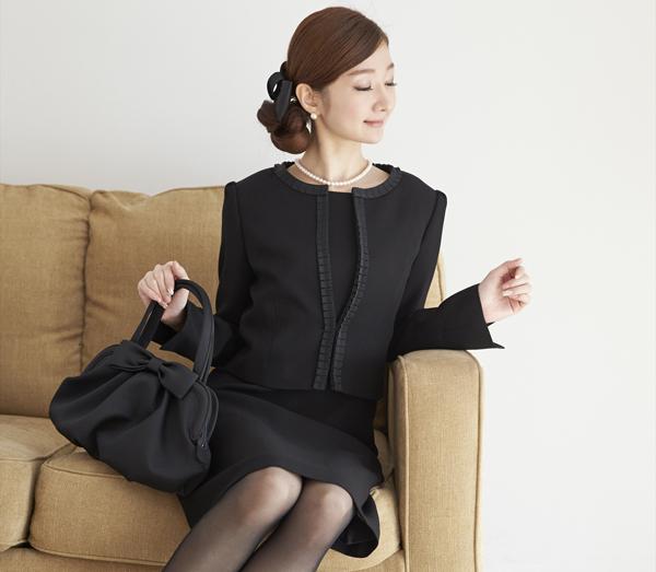 喪服スーツどうする?葬儀で失礼のない服装マナーを解説