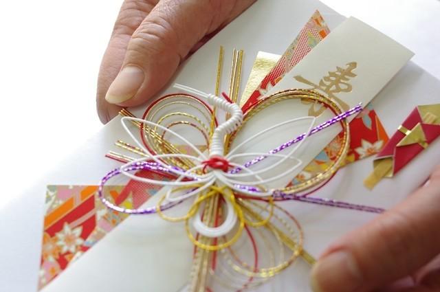 友達の結婚式、気になる祝儀の金額や包み方を徹底解説!