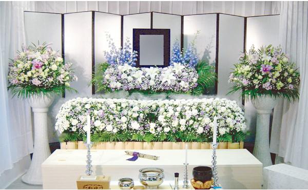 良い葬儀屋を見極めるために、知ると便利な種類と選び方