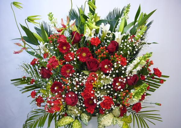 スタンド花はどんな時に贈るもの?正しい贈り方と注意点☆
