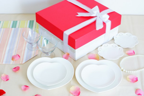 結婚式のお祝いなら☆新婦に感動を贈る7つのギフト