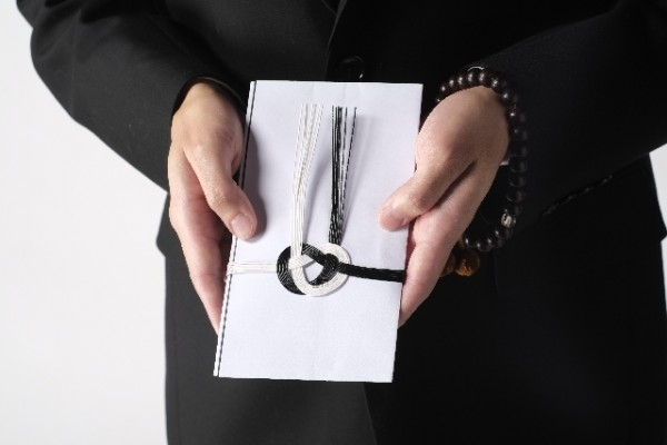 葬式香典の表書きやお悔やみ手紙の書き方、7つのポイント