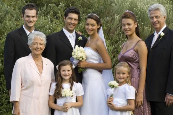 結婚式の服装☆親族が心得ておきたい7つの基礎知識
