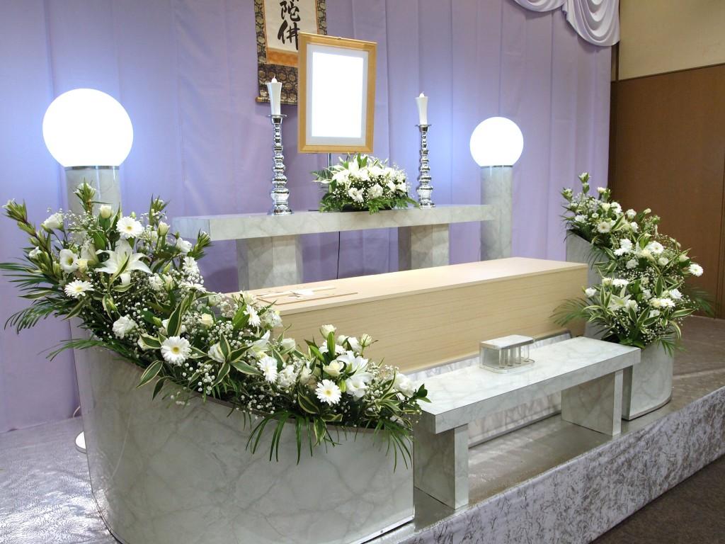 喪主が大切な故人のために決めたい、葬儀スタイルと約束事