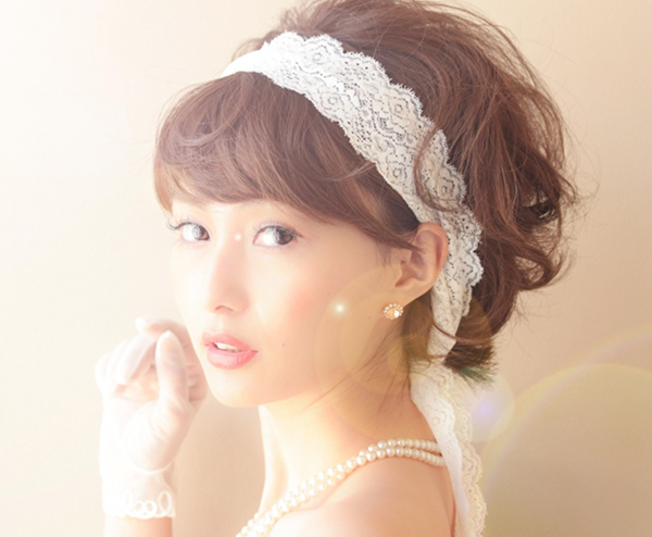 結婚式の髪型を上品かつオシャレに!7つのお呼ばれヘア