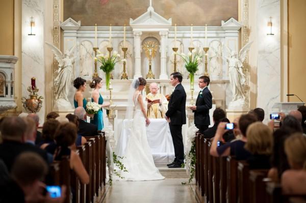 結婚式の相場☆先輩が語るお金にまつわる7つの体験談