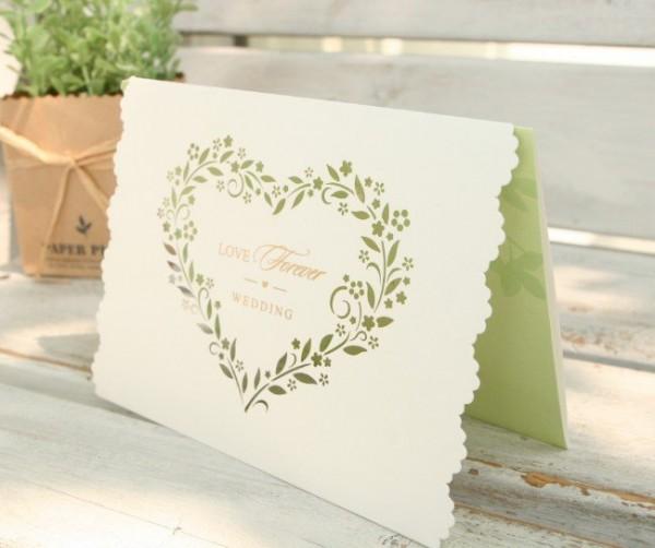 結婚式に欠席の時、お断りタイミング別7つのメッセージ