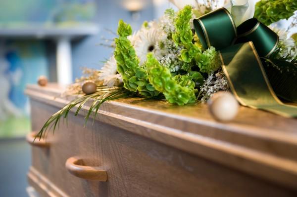 家族葬とは。身内で故人を送るための基礎知識と注意点