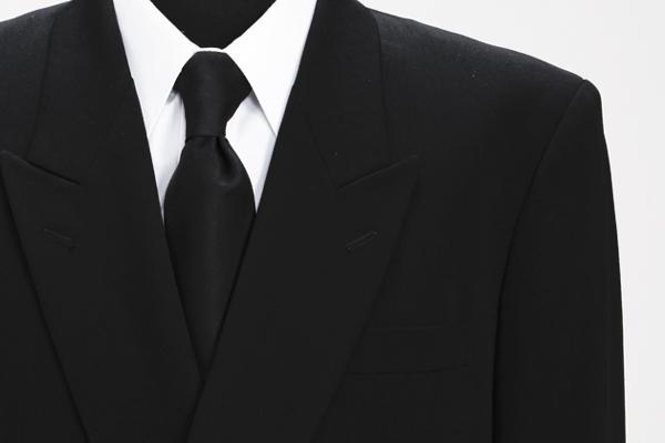 喪服で男性の常識が分かる?恥をかかない基本マナー