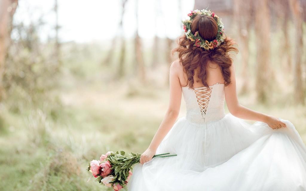 結婚式のドレスに迷ったら☆イメージ別7つのデザイン