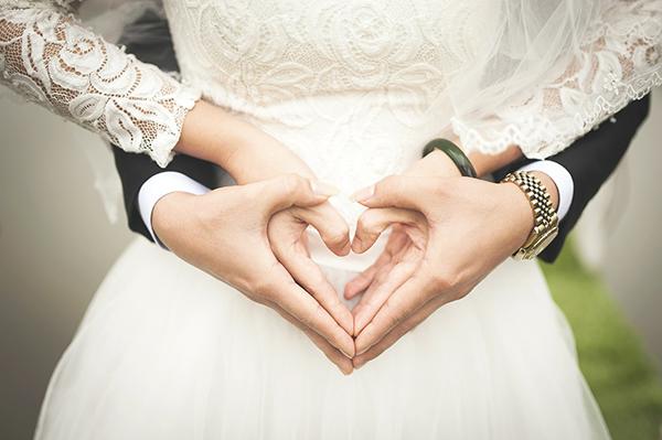結婚式のスピーチ例文 感動した と言わせる3つの文章 マナーの虎