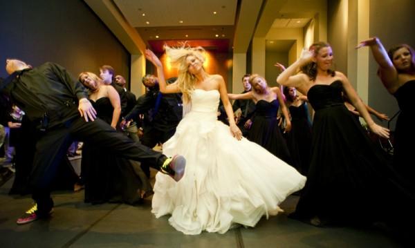 結婚式の余興でダンス☆女子で踊りたい可愛いナンバー