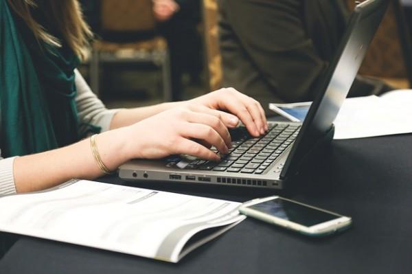 退職の挨拶マナー、転職を知らせる取引先メール文例集