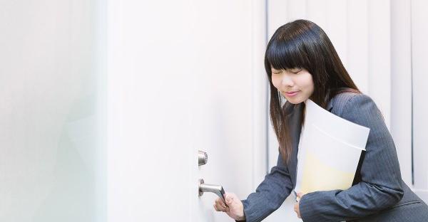 面接は入室時で決まる!好印象から始まるポイントとは