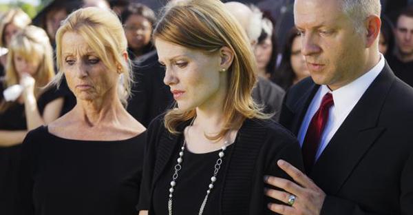 キリスト教の葬儀は初めてのあなたに。参列の基本作法