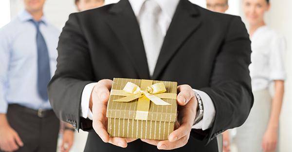 上司にプレゼントを贈る☆まとめ役が選ぶおすすめの品